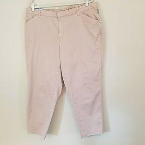 Cropped boyfriend mid-rise generous fit pants